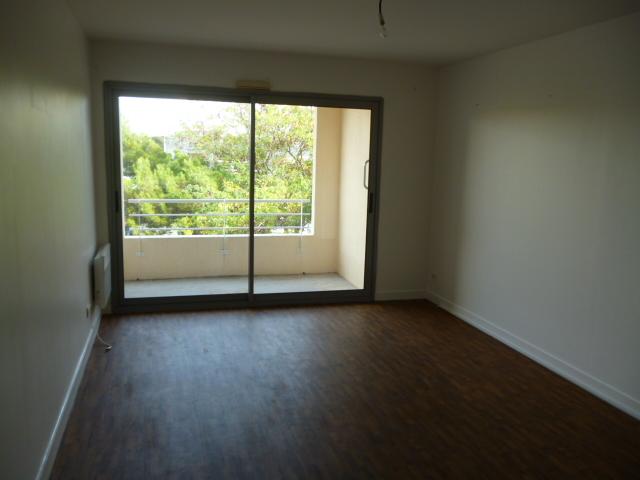 A louer type 2 quartier Port Neuf