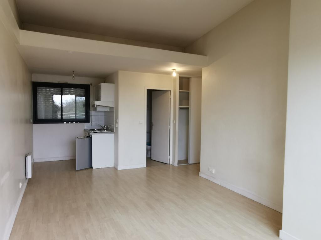 Studio Vide de 24.8 m² dans Résidence Plein Sud- ROMPSAY-La Rochelle