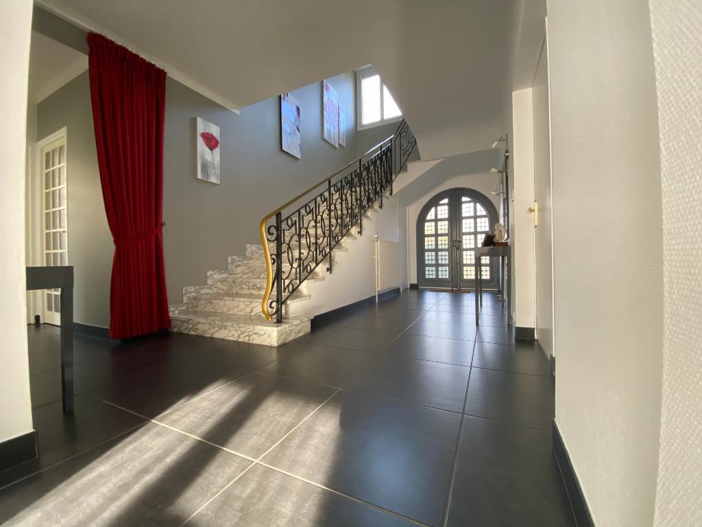 Maison Redon 7 pièce(s) REDON ILLE ET VILAINE BRETAGNE SUD PROCHE GARE LIGNE LGV