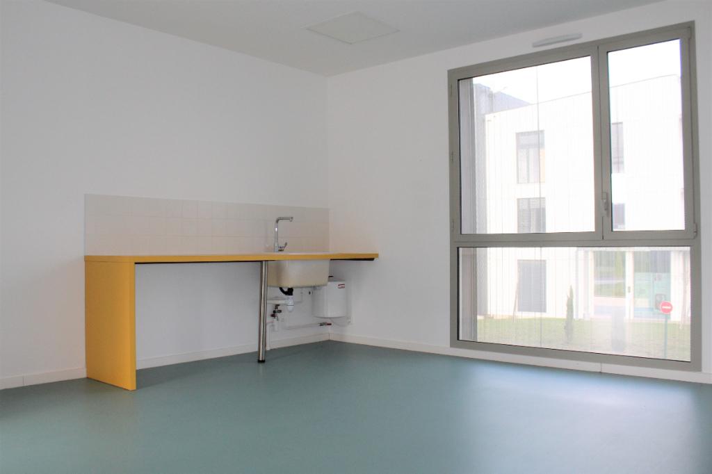 A LOUER BUREAU 24,30 m² 35 470 BAIN DE BRETAGNE