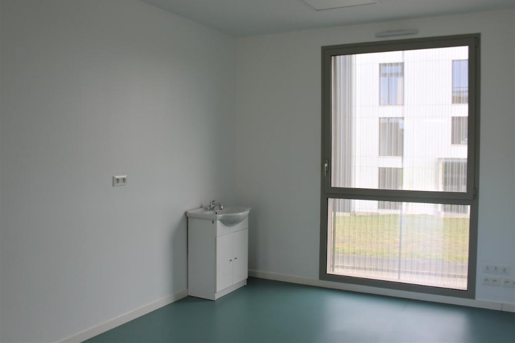 A LOUER BUREAU 15,50 m² 35 470 BAIN DE BRETAGNE
