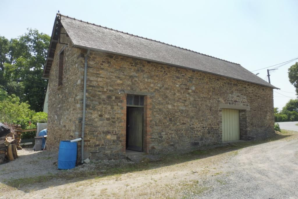A VENDRE BATIMENT 35480 ILLE ET VILAINE BRETAGNE  Atelier Saint Malo De Phily