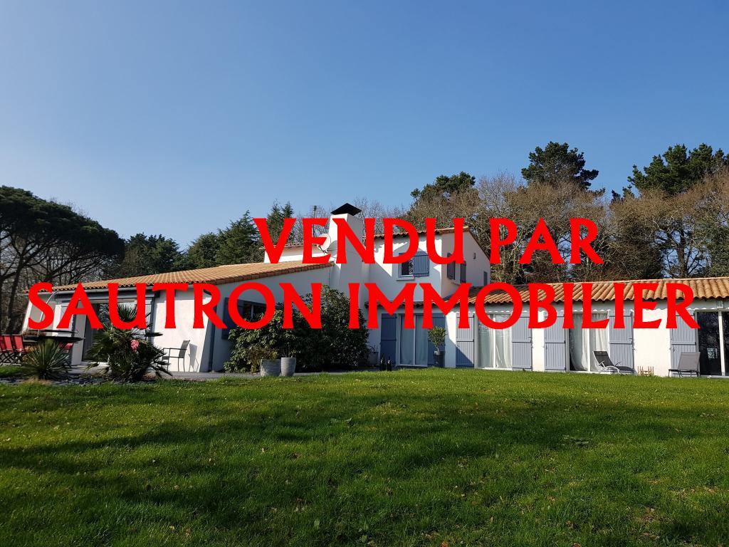 Maison St Etienne de Montluc 10 pièce(s) 310 m2