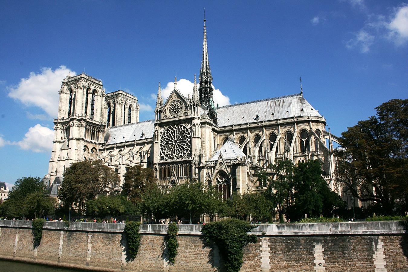Patrimoine national : Les projets de reconstruction de la Cathédrale Notre Dame de Paris