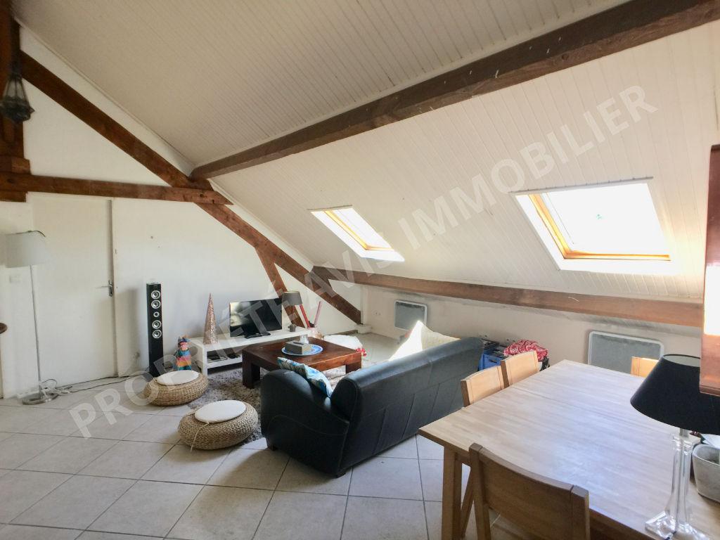 Appartement Meriel 3 pièce(s) 77 m2 au sol photo 1