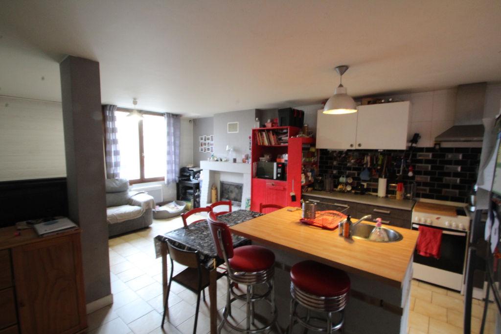Maison  5 pièce(s) 79 m2 photo 2