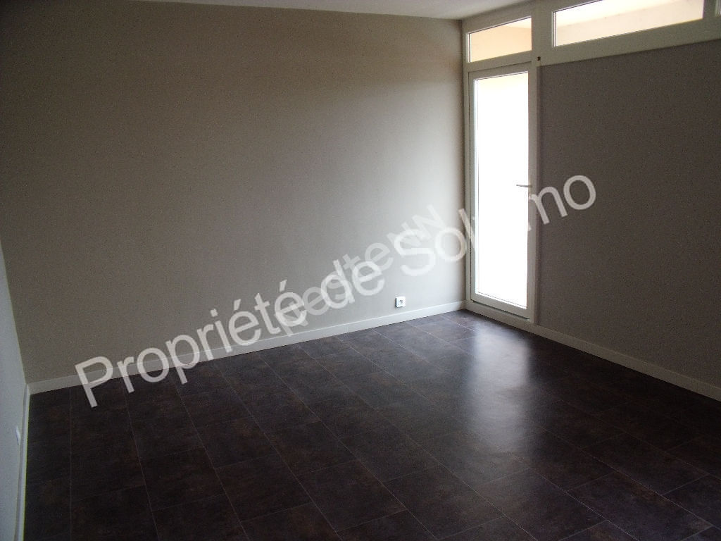 APT, APPRT 3 P DE 61 M² LOUE photo 1