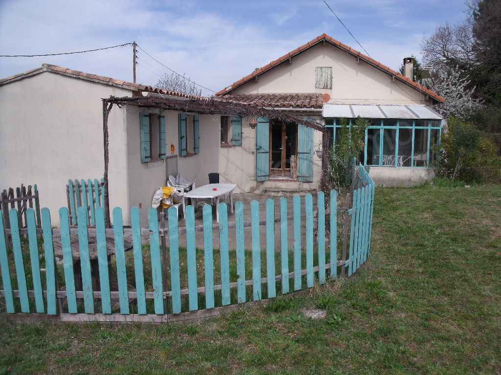 maison Cucuron photo 2