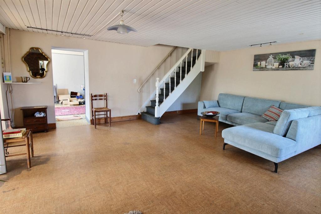 Lanvallay 5mn de Dinan A Vendre maison 6 pièces + hangar et grand terrain photo 1