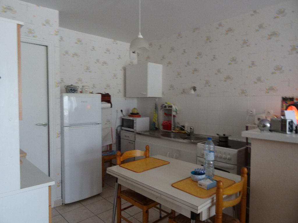 Dinan centre ville résidence avec ascenseur appartement 3 pièces à vendre photo 2