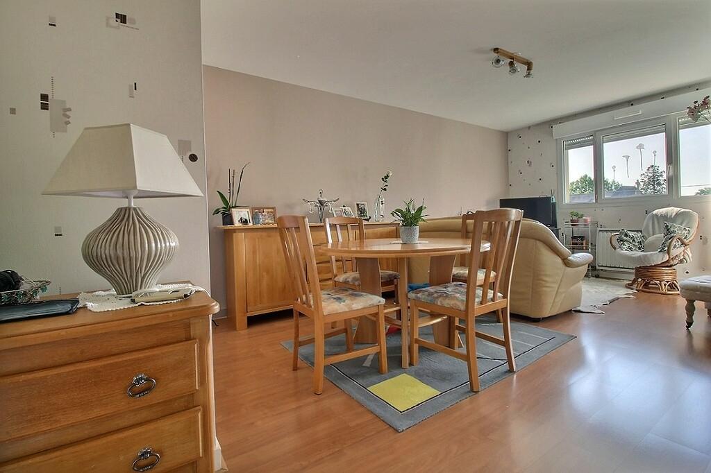Dinan centre ville bel appartement 3 pièces à vendre! résidence avec ascenseur photo 2