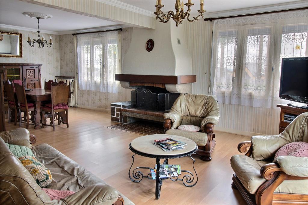 A vendre maison traditionnelle Trélivan de 148 m² proche des commodités photo 1