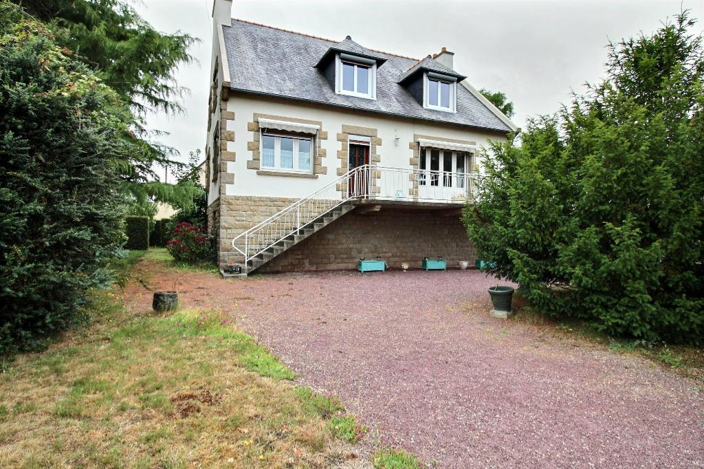 A vendre maison traditionnelle Trélivan de 148 m² proche des commodités photo 2