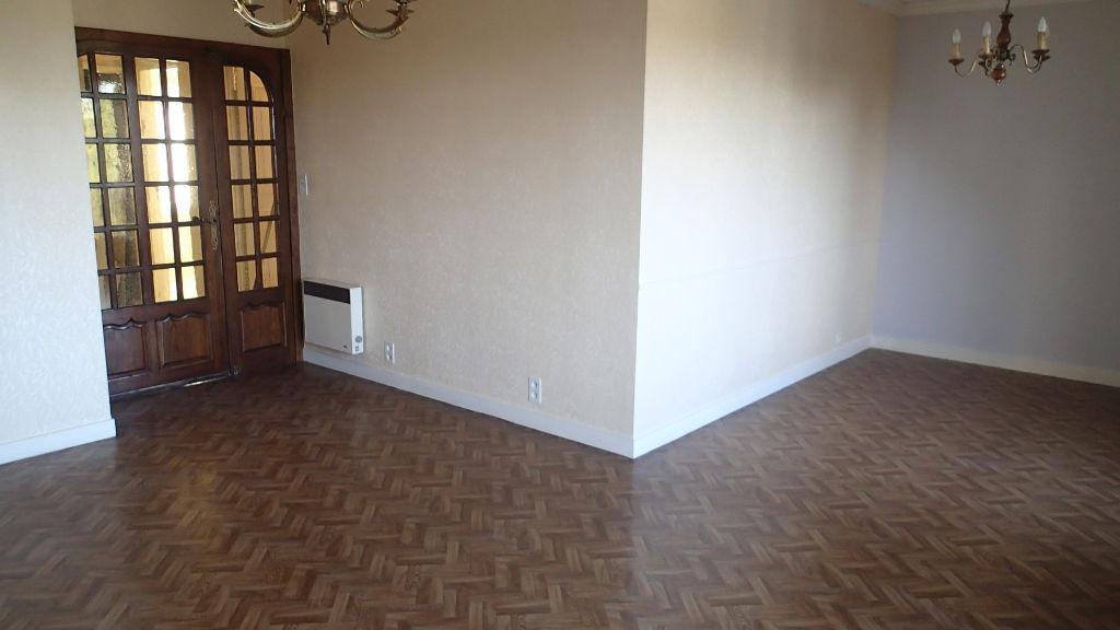Appartement Dinan 3 pièce(s) 68.98 m2 photo 1