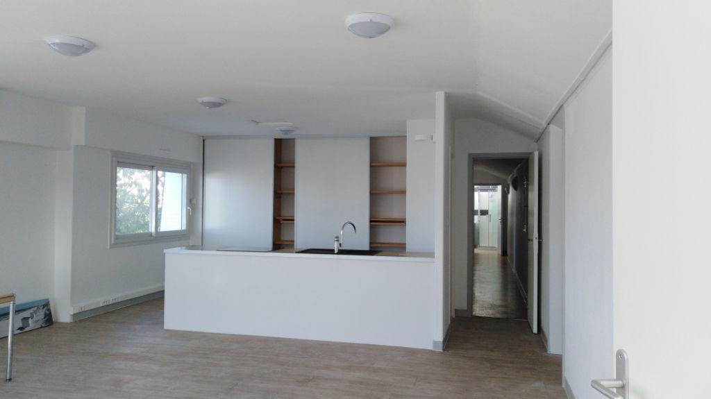 A louer, Appartement T4 à Quevert 116 m2 photo 1