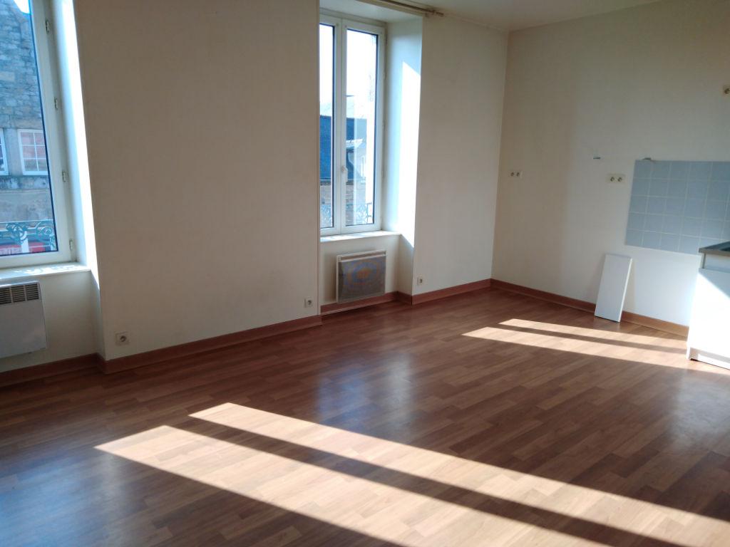 Appartement Dinan 2 pièce(s) 33 m2 photo 1