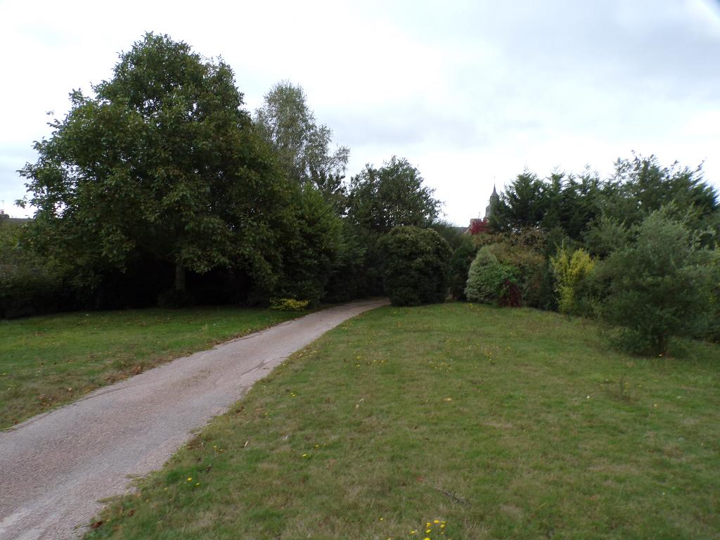 20 minutes de DINAN- Au coeur d'un bourg , belle maison à vendre ! photo 2