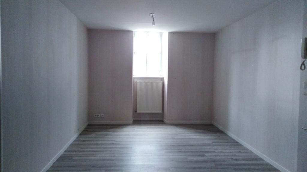 Dinan, centre-ville, appartement 3 pièces 55 m2 photo 1