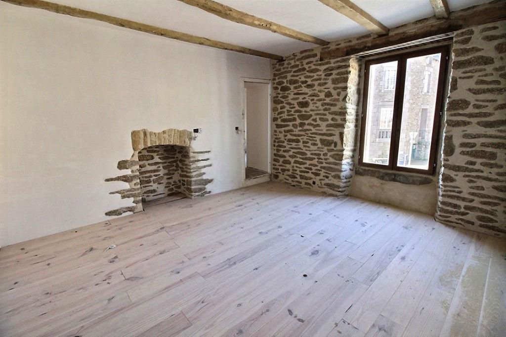 Plumaudan à 15mn de Dinan Superbe maison en pierre rénovée à vendre photo 2