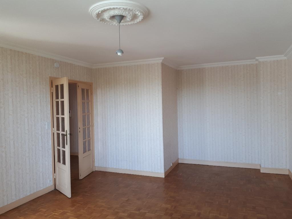 Appartement Dinan 3 pièce(s) 73.12 m2 photo 1