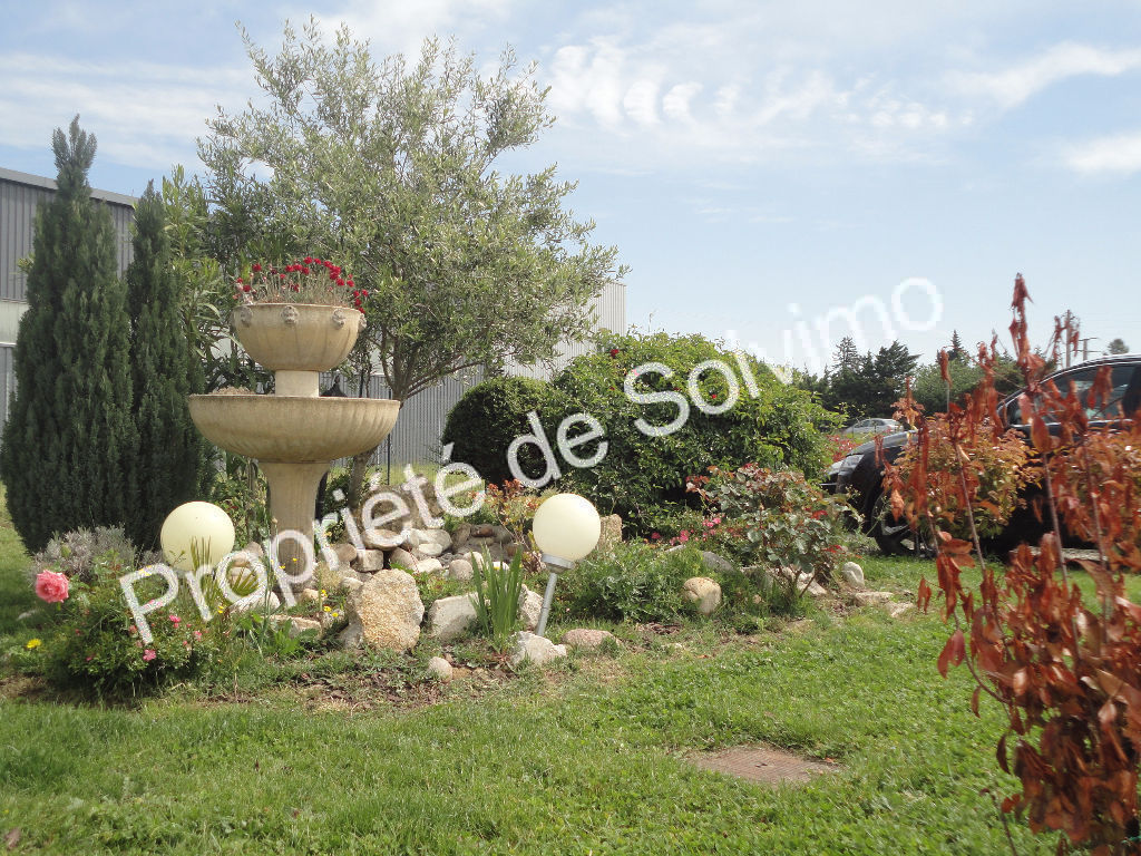EXCLUSIVITE - Grande villa avec local professionnel photo 1