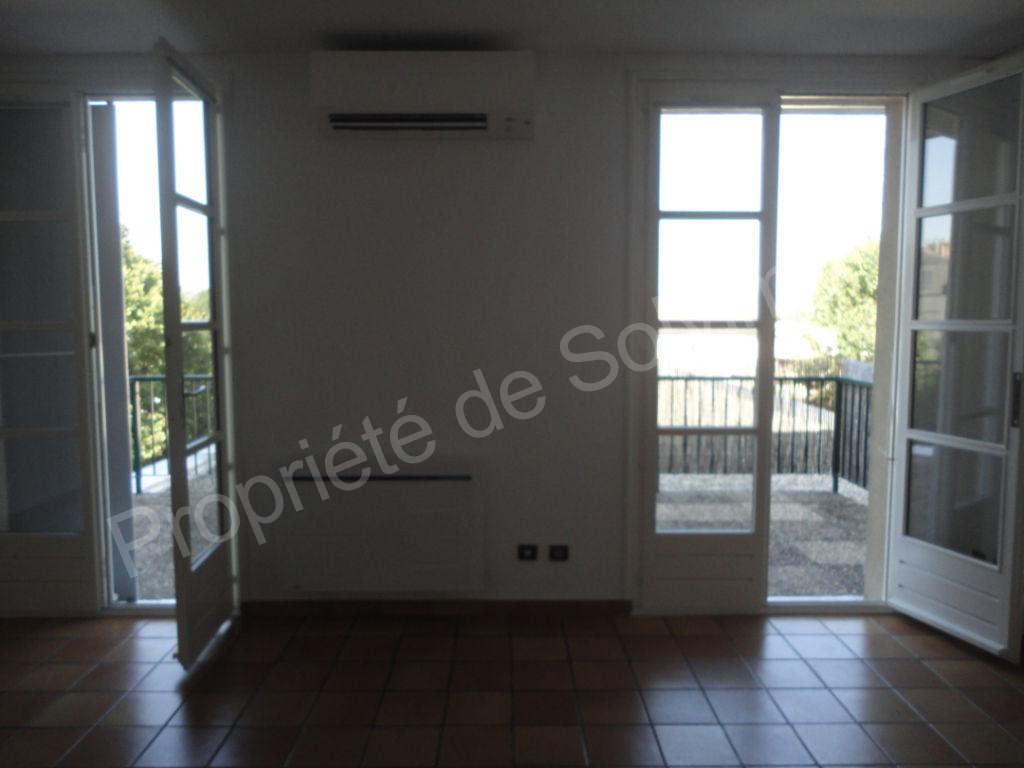 bel appartement rénové T2 avec garage et cave à Livron photo 1