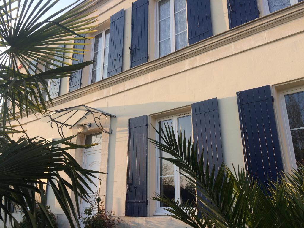 Maison en pierres à Tonnay-Charente 4 chambres +86 m² de garage photo 1