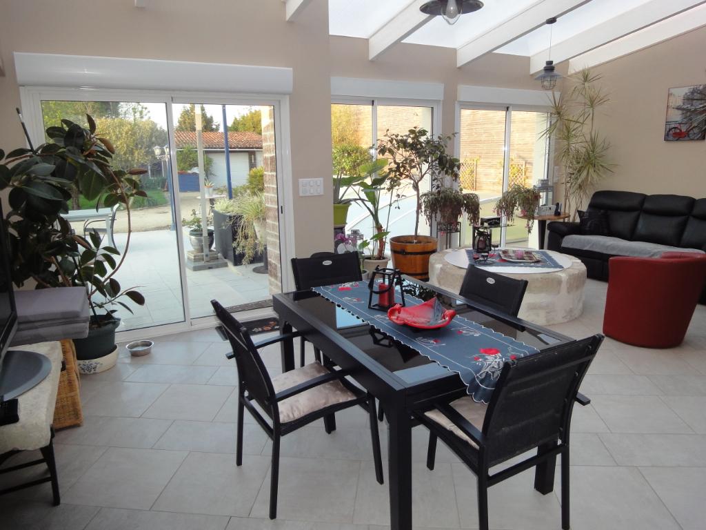 Maison en pierres à Tonnay-Charente 4 chambres +86 m² de garage photo 2