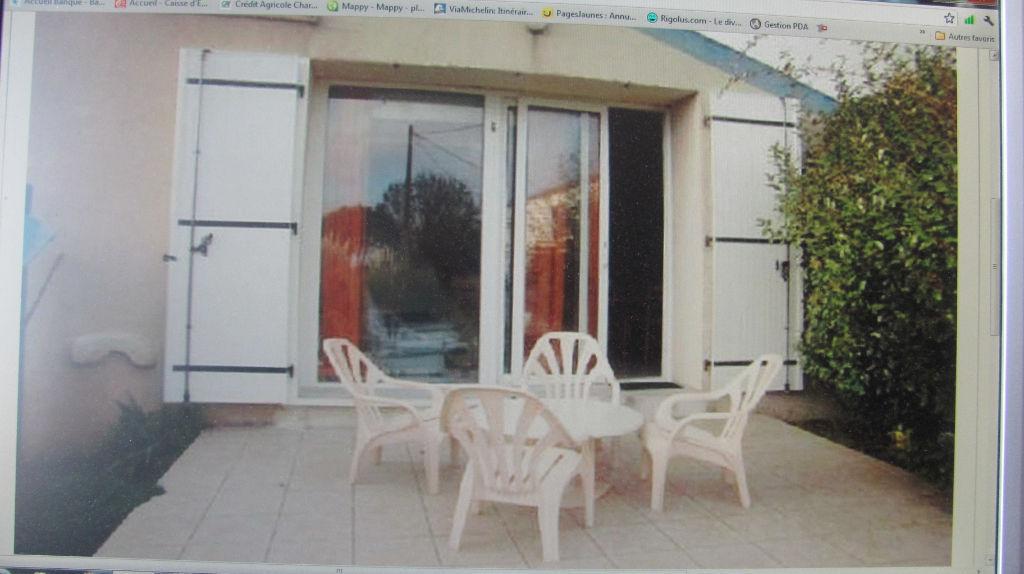 A 5 min de la mer, Studio meublé avec terrasse et piscine photo 1