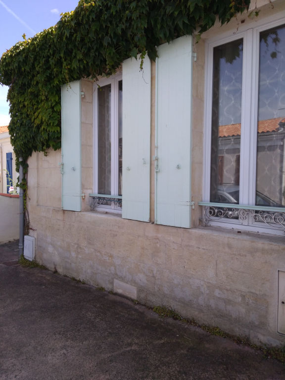 Faubourg de Rochefort maison 5 pièce(s) 124 m2. photo 1