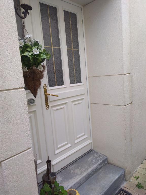 Faubourg de Rochefort maison 5 pièce(s) 124 m2. photo 2