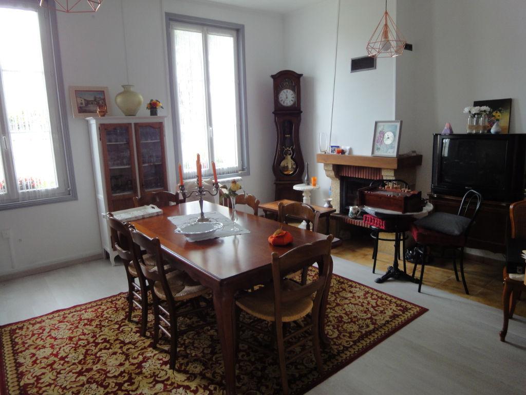 5 min Rochefort : TONNAY CHARENTE , Maison 4 pièces 80 m² + piscine photo 2