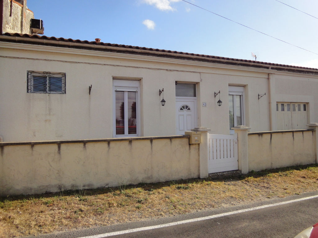 EXCLUSIVITÉ : 5 MIN ROCHEFORT: MAISON en pierres plain pied, 4 chambres, 2 garages photo 1