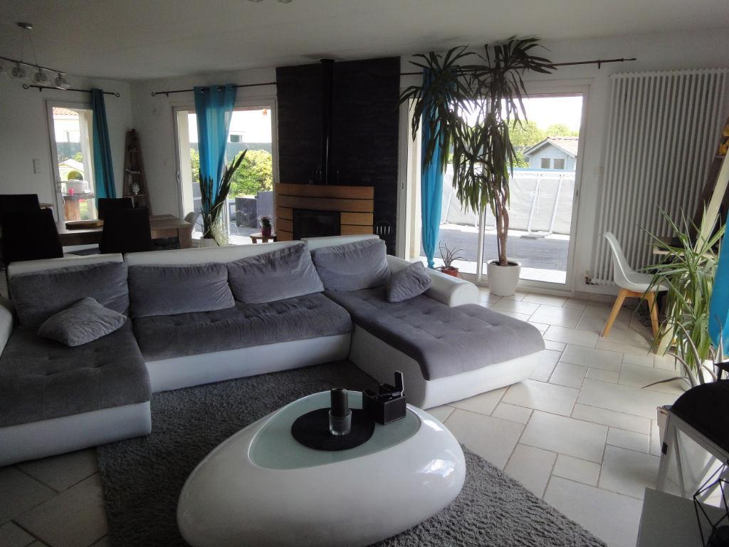 10 min ROCHEFORT : Saint Hippolyte plain pied  5 chambres 191 m² photo 1