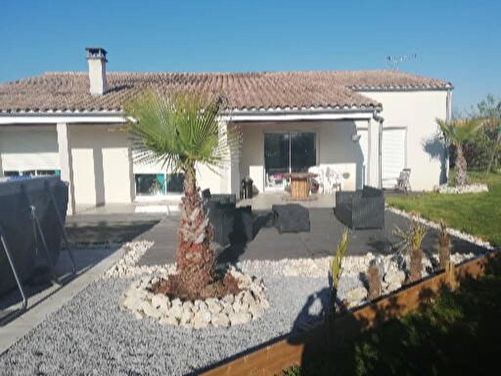 10 min ROCHEFORT : Saint Hippolyte plain pied  5 chambres 191 m² photo 2