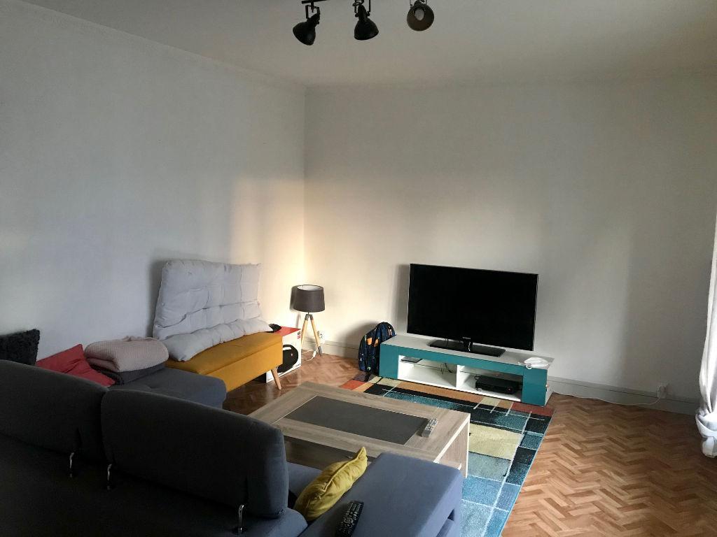 A LOUER APT  3 chambres + garage + balcon