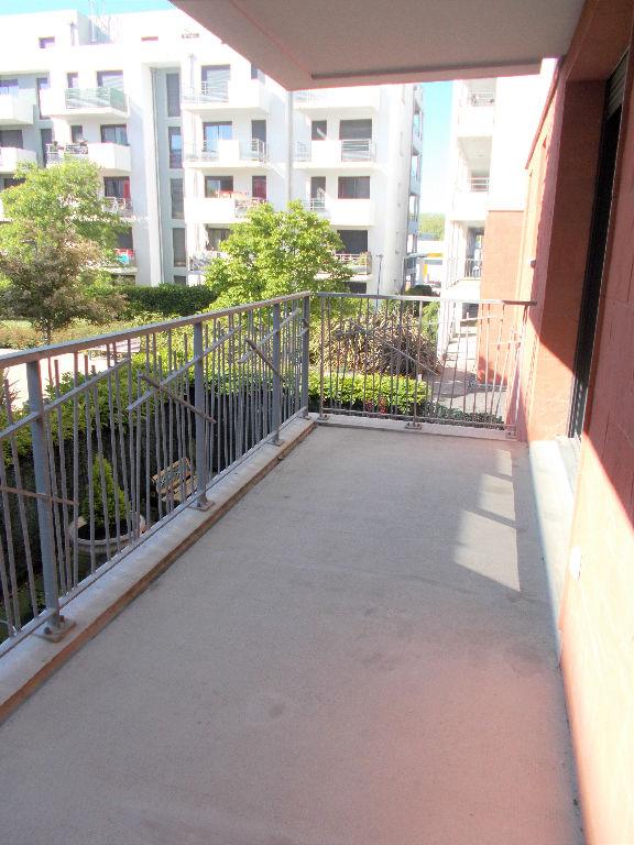 Toulouse 31400 Quartier Rangueil Montaudran, Métro à deux pas T3 récent 67m2  terrasse 2 place de pk sous sol Chauffage collectif photo 1