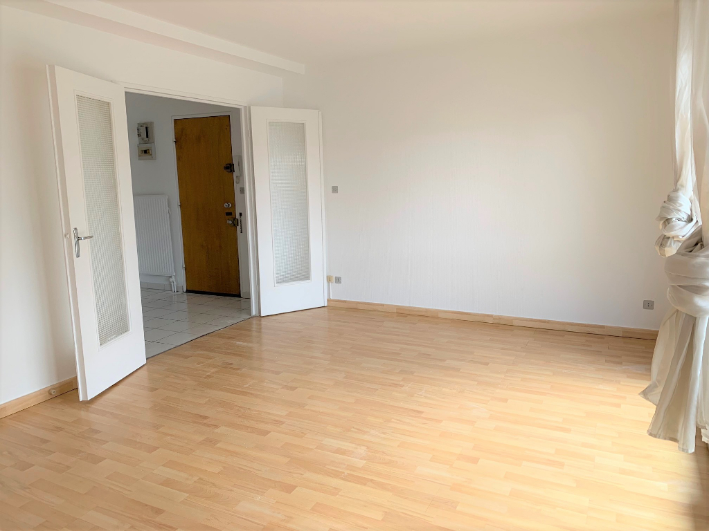 Ramonville Saint Agne 31520- T2 -de 56 m2 - place de parking, cave  et  deux balcons APPARTEMENT REPEINT A NEUF photo 2