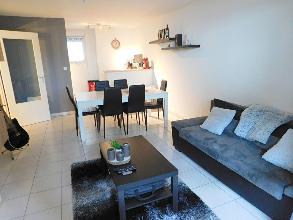 Portet Sur Garonne 31120 Appartement T2 de 44m² avec terrasse, traversant et une place de parking photo 2