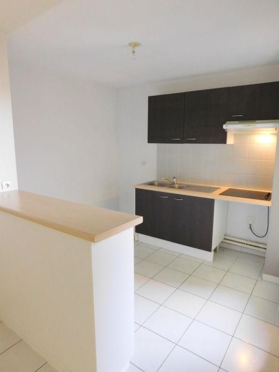Toulouse Rangueil Pech david 31400 Appartement T3 de 64m²  avec terrasse couverte de 10m²  et 1 place de parking en sous sol photo 2