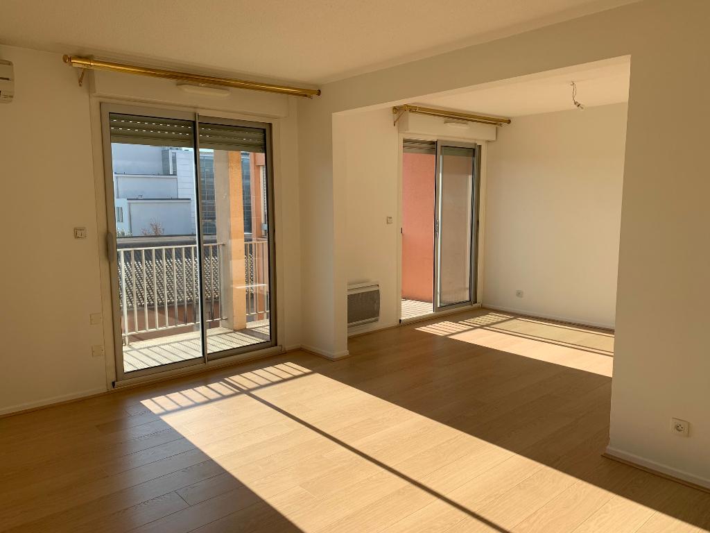 Toulouse 31100 secteur croix de pierre  résidence les Oustalous Appartement  T4/5 103.84 m²- cave -parking chauffage semi collectif photo 1