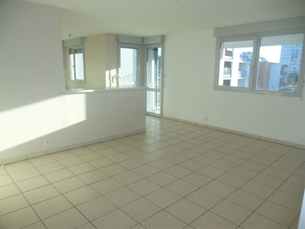 Toulouse 31100 METRO MERMOZ Agréable T3 Récent de 63.34m² terrasse 8.92m² Double exposition parking photo 2
