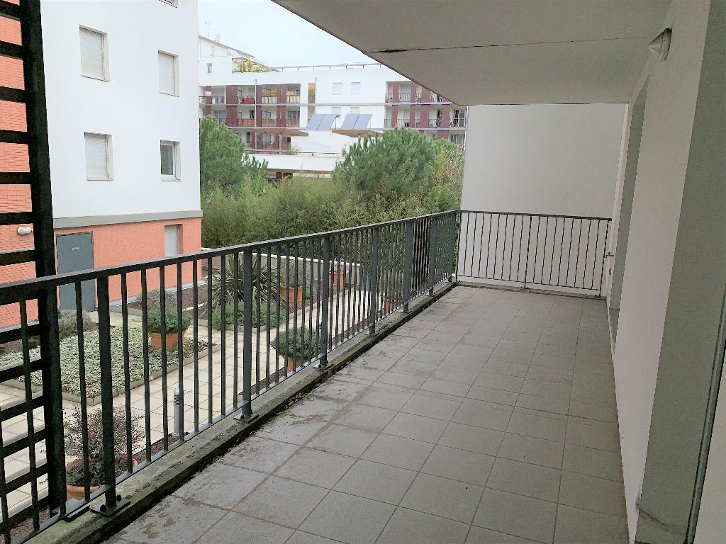 Toulouse 31200 Proche métro Canal du midi , T3 Récent de 63.90m², cuisine séparée  terrasse de 18.45m²  + Porche de 8.05m²  1er étage , 1 parking sous sol photo 1