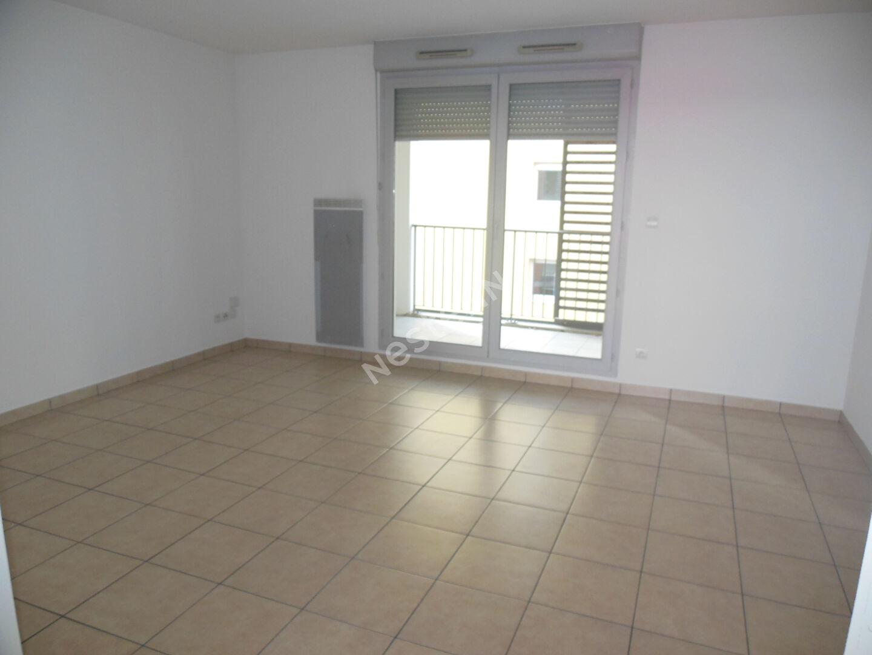 Toulouse 31200 CANAL DU MIDI  Agréable T3 Récent  de 65.25m² cuisine séparée , 2  PLACES DE PARKING en sous sol,  terrasse de 17.97m² + seconde terrasse/porche de 14.80m² photo 1