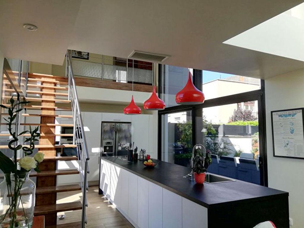 Toulouse 31200, Maison esprit Loft 145.97m² avec double garage 46m², terrasses. photo 2