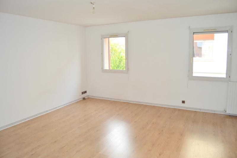 Toulouse 31200 Appartement T2 de 48.26 m2, au calme proche métro, place de parking, terrasse photo 2