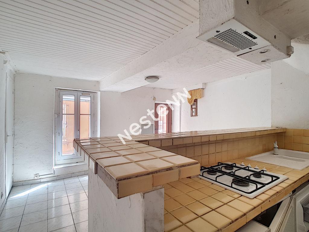Maison de village T3 sur 3 niveaux à Vins sur Caramy photo 1
