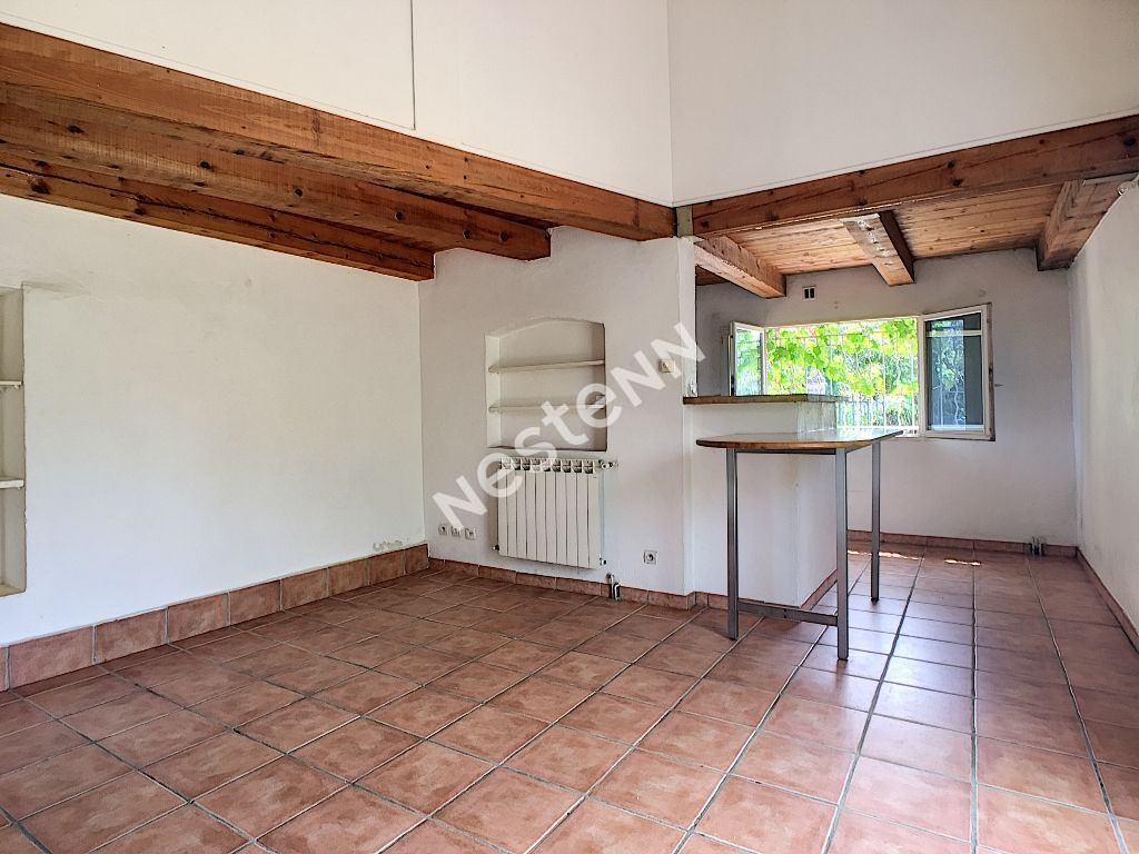 BRIGNOLES PROCHE CENTRE VILLE APPARTEMENT T3 AVEC GRAND JARDIN photo 2