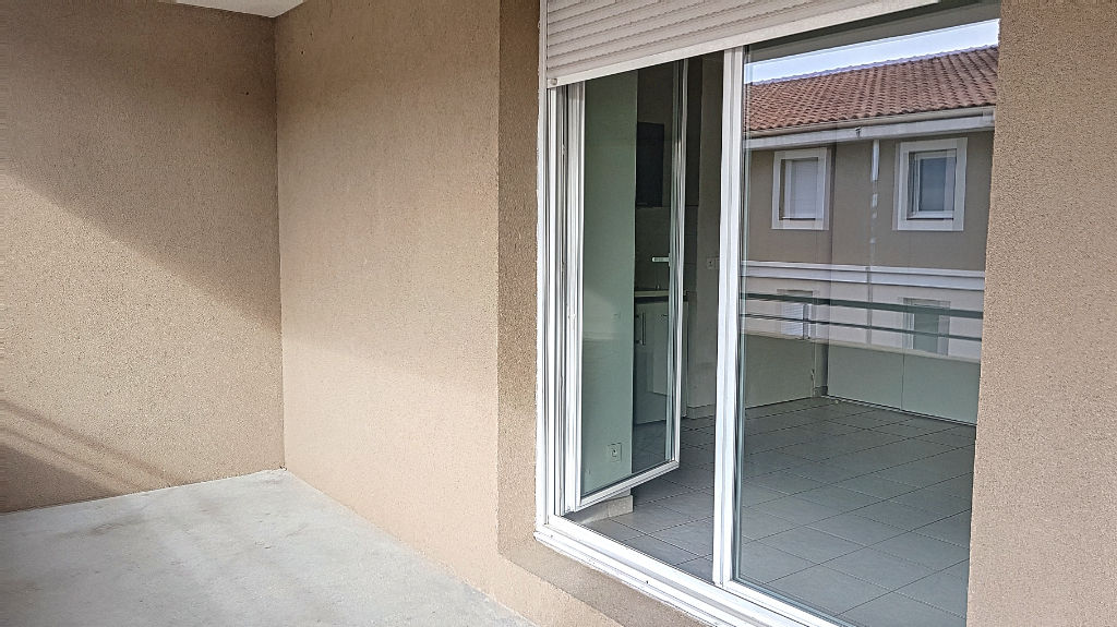 Brignoles - Appartement T2 avec terrasse et place de parking photo 1