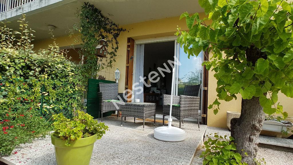 Appartement T3 en rez de jardin résidence sécurisée Brignoles photo 2